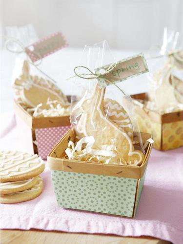 0412-easter-cookies-in-basket-lgn