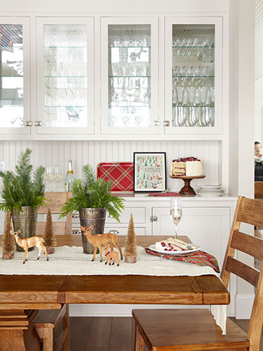 33 Christmas Table Settings & Centerpieces