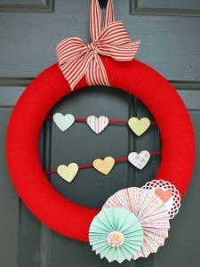 14 Crafty Valentine's Day Wreaths