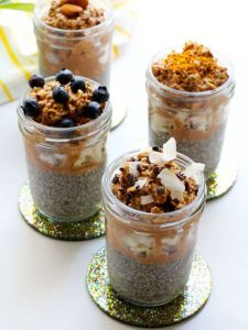 14 Overnight Mason-Jar Breakfasts
